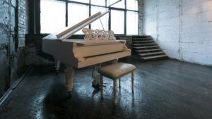 пианино для съемки клипа
