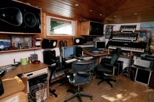 Современная студия звукозаписи в частном доме